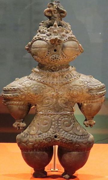 Photo of a ritual clay statue from the jomon period cc wikipedia